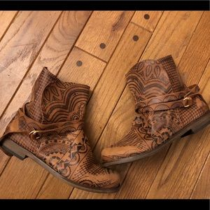 Free People Henna Distressed Boots size 6 (36)